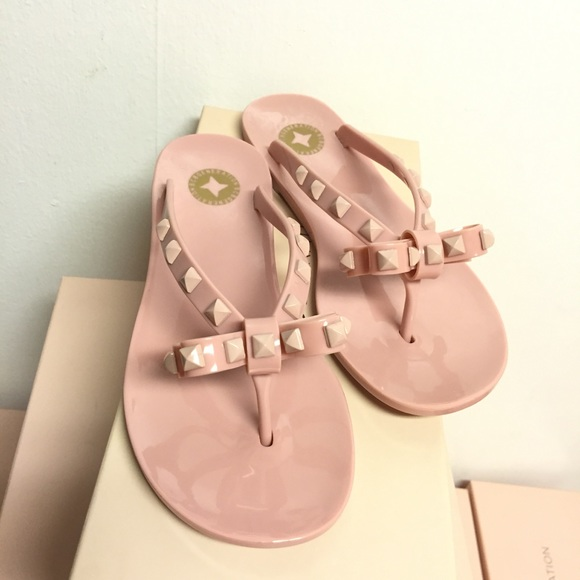 9130be18d866 BCBGeneration Bow Rockstud Pink Jelly Flip-flops